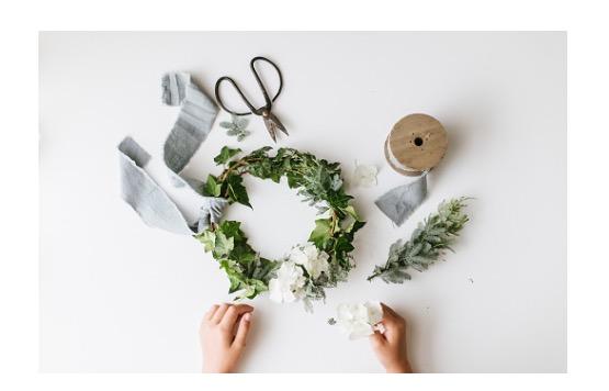 Make an Elegant HolidayWreath