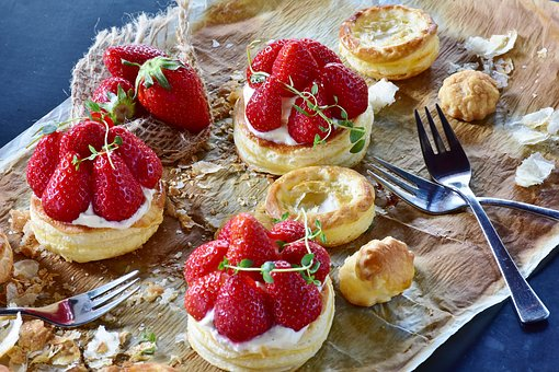 strawberry-cake-3411540__340